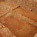Settore 7000: pavimentazione in cocciopesto e strutture rasate riferibili alla fase più antica dell'edificio.