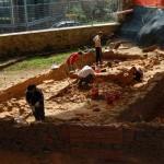 Archeologi e tirocinanti a lavoro